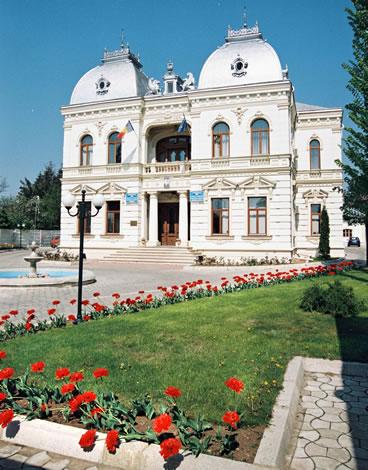 """Băsescu este aşteptat la sfârşitul acestei săptămâni la """"Serbările Toamnei"""", organizate la Câmpina"""
