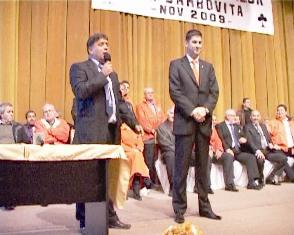 Romii din Dâmboviţa votează Traian Băsescu
