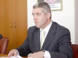 PSD Dâmboviţa acuză prefectul de promovare a oamenilor PD-L în funcţiile de preşedinţi ai secţiilor de votare