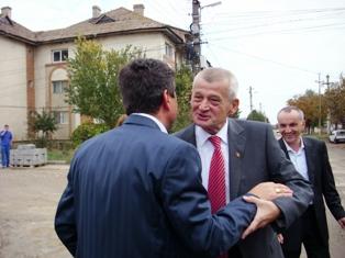 """Ialomiţa – Primarul PSD, Victor Moraru: """"Sunt unul dintre cei 68% de nehotărâţi, pe care se bazează domnul Oprescu"""""""