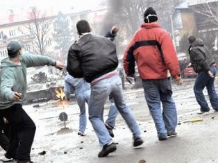 Poliţiştii ilfoveni au aplanat un conflict iscat într-un complex comercial din Dobroieşti