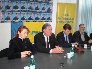 Călin Popescu Tăriceanu – la Mihail Kogălniceanu, Crin Antonescu – la Urziceni