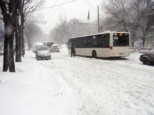 """Buzău – Cezar Preda: """"Nu zăpada a îngropat sud-estul României, ci corupţia"""""""