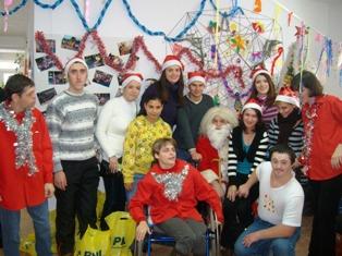 Daruri de Crăciun pentru copiii cu dizabilităţi