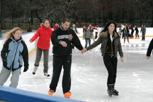 Feerie pe gheaţă la patinoarul din Sinaia