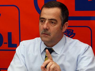 Buzau – Cezar Preda (PD-L) cere Guvernului renuntarea la salariile de mii de euro