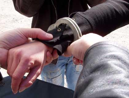 Comercianti de hasis prinsi in  flagrant de politistii buzoieni