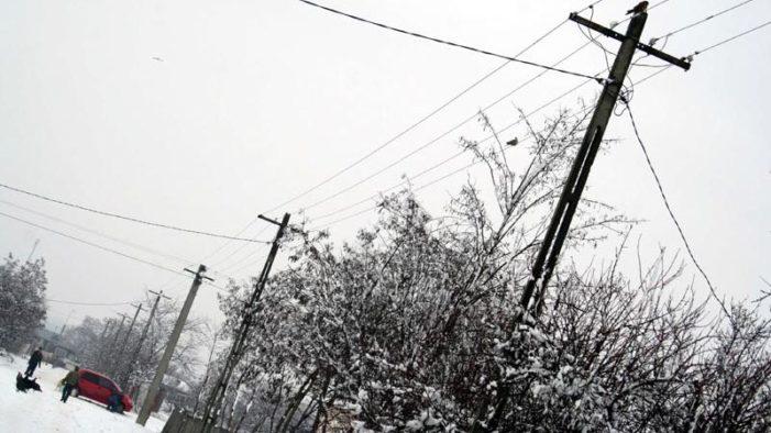 Prahova – Doua localitati fara curent electric de peste 48 de ore