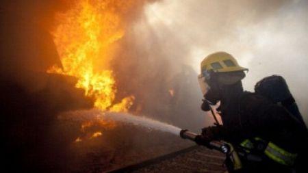Calarasi – Un barbat a ajuns la spital cu arsuri in urma unui incendiu izbucnit in apartamentul sau