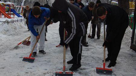 Buzau – Rugbystii implicati in actiunele de deszapezire, invitati la Zilele comunei Bradeanu