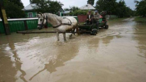 Buzau – Un dig de aparare pe raul Buzau a cedat din cauza ploilor