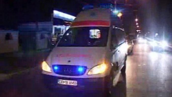 Dambovita – Barbat ajuns la spital dupa ce a fost lovit de o ambulanta aflata in misiune, la Targoviste