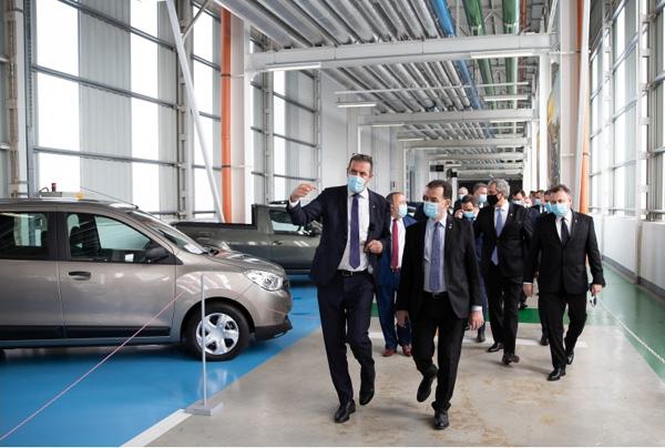 Ludovic Orban, la vizita la Centrul Tehnic Titu al Renault: Am evaluat posibile măsuri de susţinere a producţiei de maşini