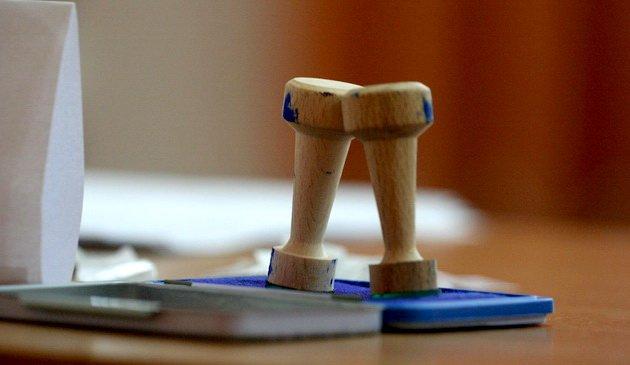 Legea privind data alegerilor locale pe 27 septembrie a fost adoptată de Comisia juridică a Senatului