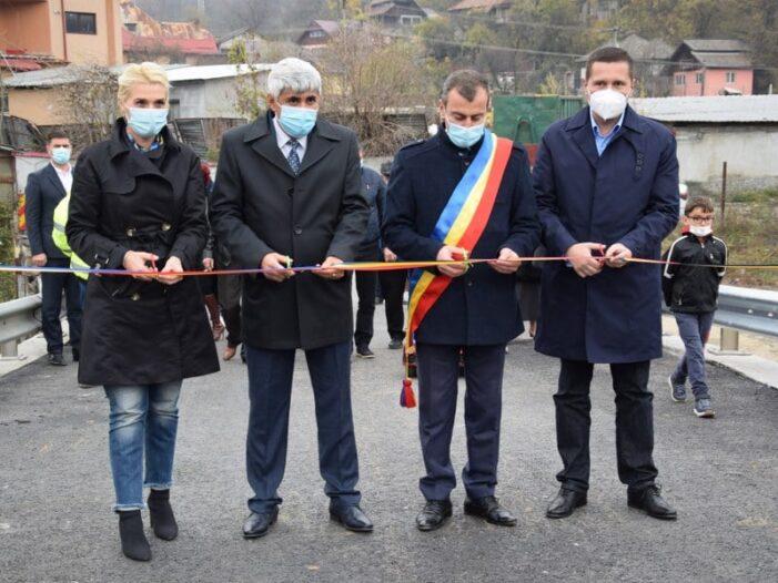 Dâmboviţa: A fost inaugurat un nou pod peste râul Ialomiţa
