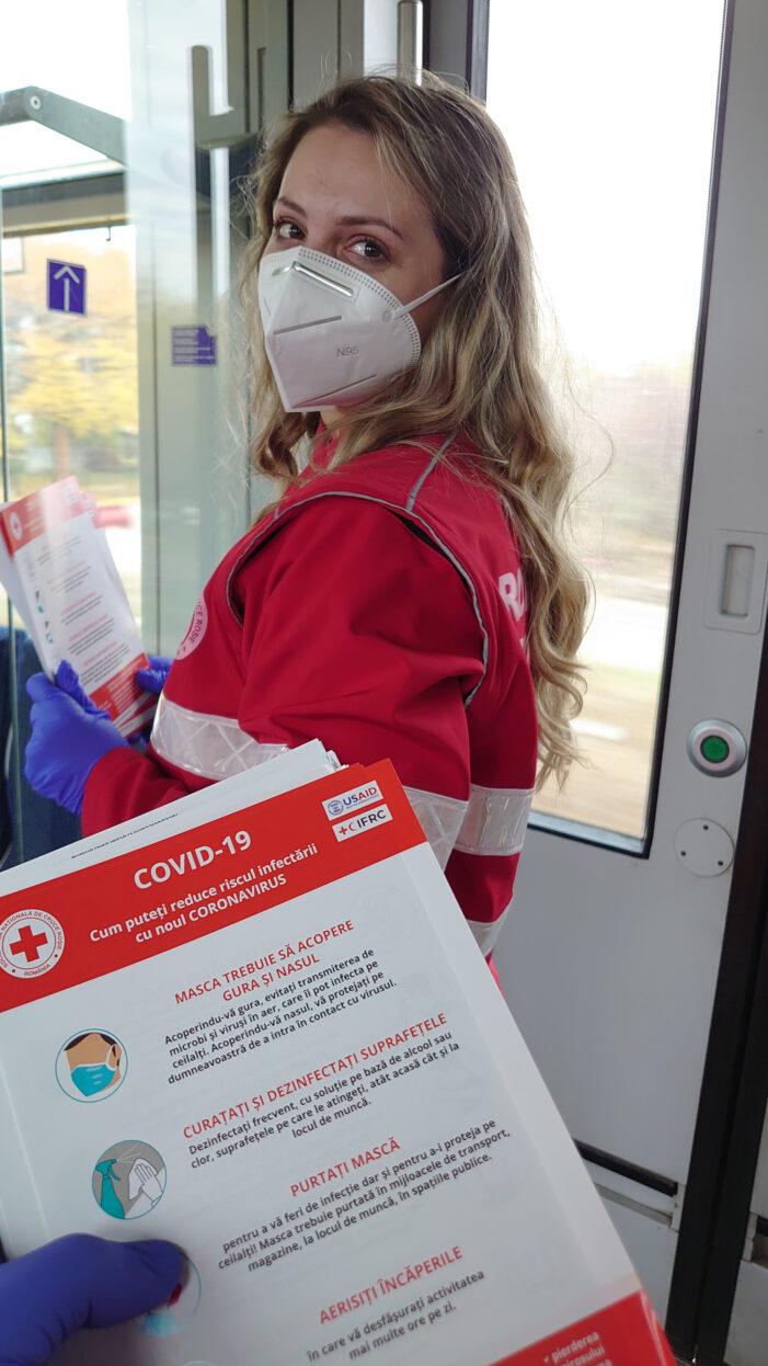 """Voluntarii Crucii Roșii Dâmbovița au desfășurat activități de informare în cadrul proiectului """"CRUCEA ROSIE ROMÂNĂ: COVID-19"""""""
