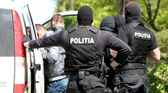 Giurgiu: Reținuți de polițiști după ce au spart o vulcanizare