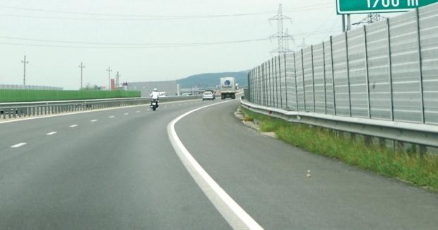 Restricţii de viteză pe A2, la kilometrul 51, din cauza unor degradări ale asfaltului
