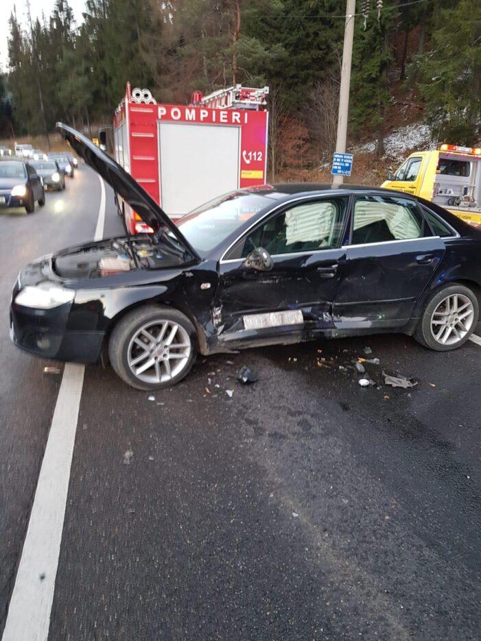 Două persoane au fost rănite într-un accident pe DN 1, în Azuga