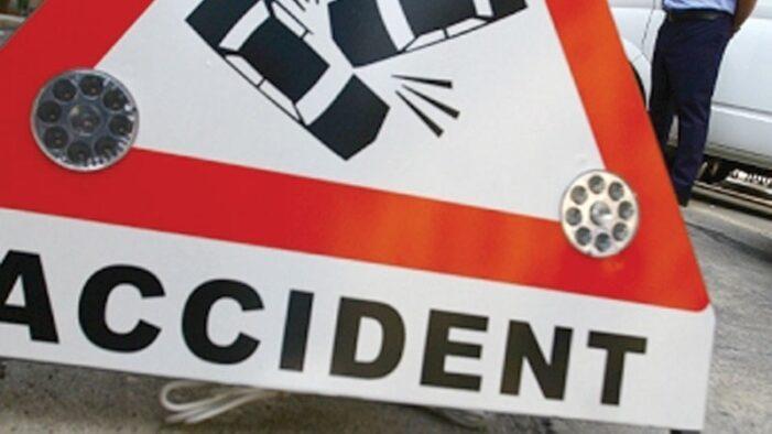 Patru autoturisme implicate într-un accident pe DN 1, în apropiere de Băneşti