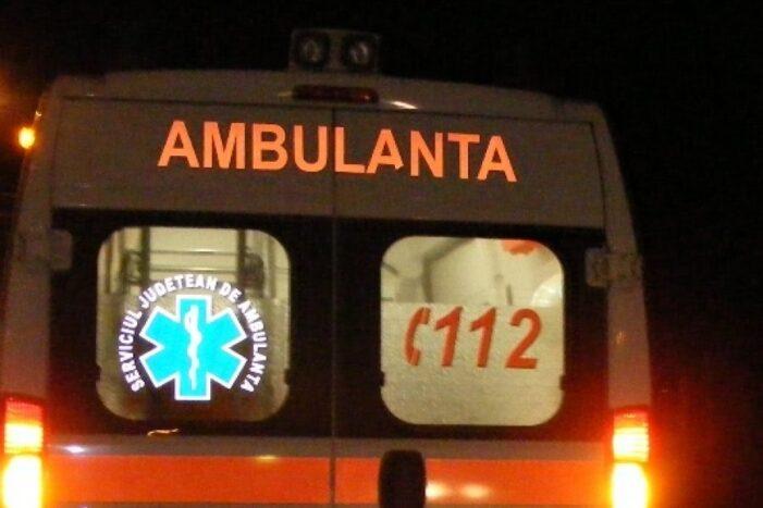 Rănit grav de o maşină, în timp ce amenaja o trecere de pietoni din Prahova