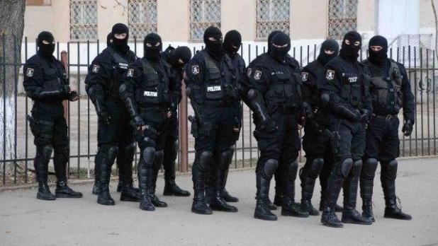 30 de percheziţii într-un dosar de infracţiuni economice în judeţele Prahova şi Dâmboviţa