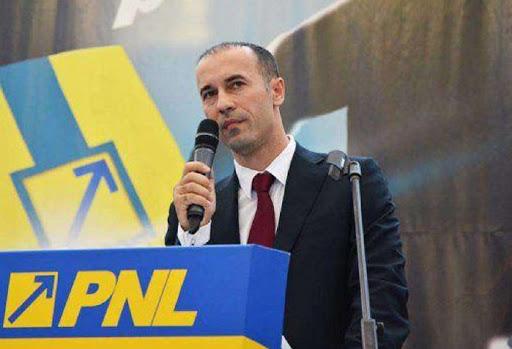 Consiliul Judeţean Prahova desfiinţează două direcţii, totalizând peste 200 de angajaţi