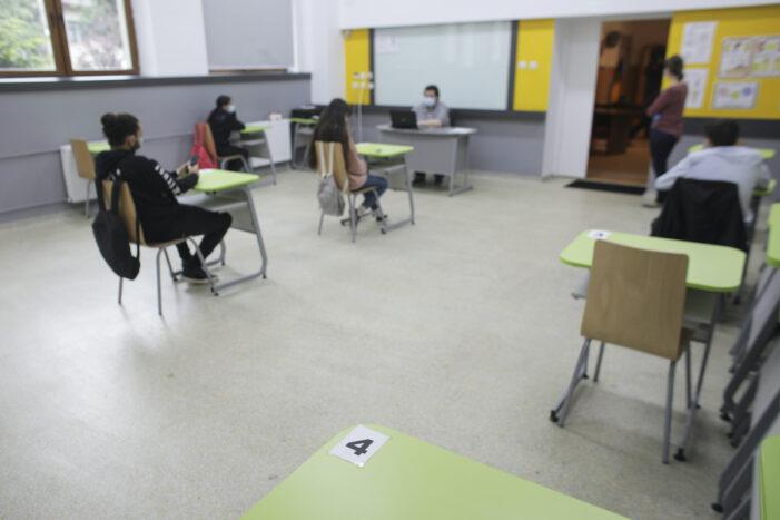 Două cazuri de COVID-19 au fost semnalate în două unităţi şcolare din judeţul Olt