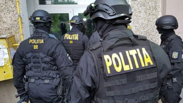 Percheziții în Prahova într-un dosar de proxenetism